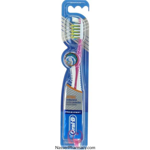 فرشاة أسنان أورال-بي برو إكسبرت كروس أكشن المضادة للبكتيريا - متوسطة 40